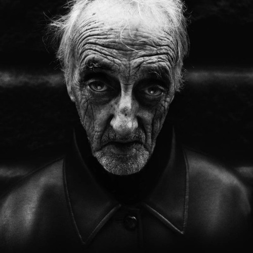 homeless-black-and-white-portraits-lee-jeffries-25