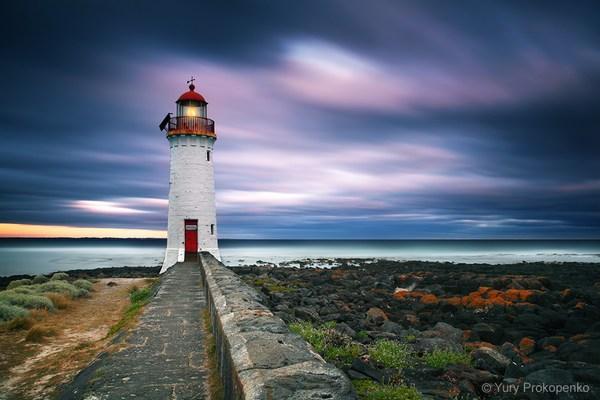 08-lighthouse